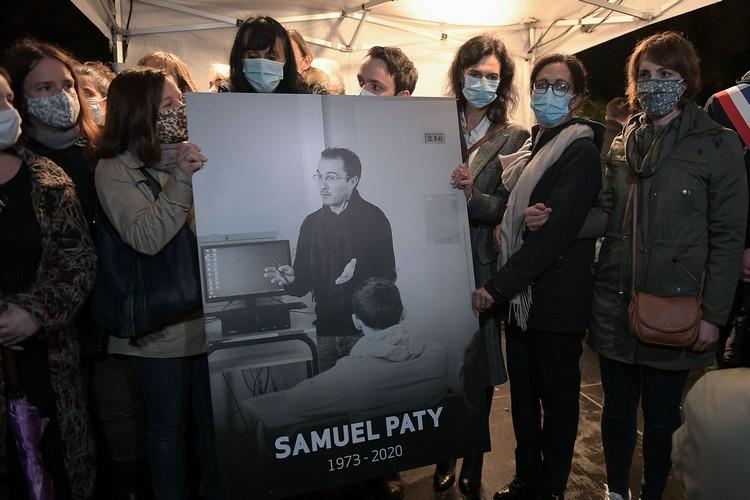 France honours beheaded teacher Samuel Paty - newsR  |Samuel Paty