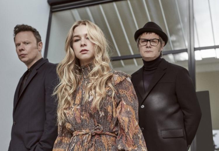 "Hooverphonic n'a pas participé au final de ""Europe Shine A Light""."